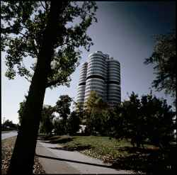 bmw_tower_2.jpg